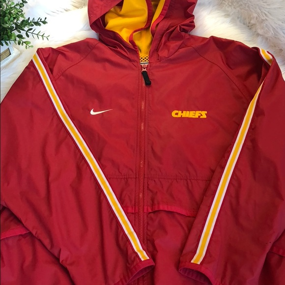 2b38e84e6e6a Nike Pro Line Kansas City Chiefs Jacket NFL Winter.  M 5b9af7c71299550b914fc759